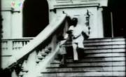Xem video nhạc Ai Yêu Bác Hồ Chí Minh Hơn Thiếu Niên Nhi Đồng (Hồ Chí Minh Cả Một Đời Vì Nước Vì Dân) về điện thoại
