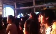 Tải video nhạc Khóc Cho Người Đi Remix (Live) online